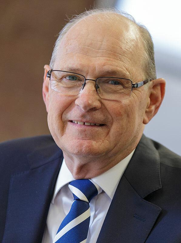 Mr Josef Czyzewski